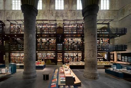 Boekhandel Selexyz Dominicanen, ubicada en Maastricht, Holanda