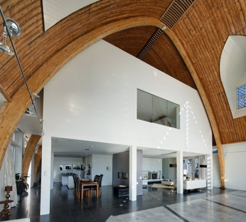 House in a Church was designed by Ruud Visser Architects and is located in Rotterdam, The Netherlands. 2