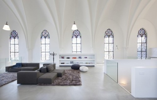 Vlamboyant-Living-Church-XL-by-Zecc-Architects2-620x397-600x384