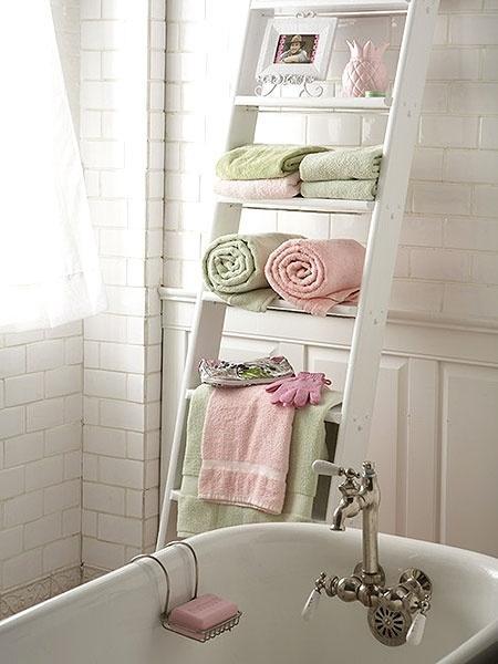 reciclaje-escaleras-que-organizan-decoran-L-DhmmZs