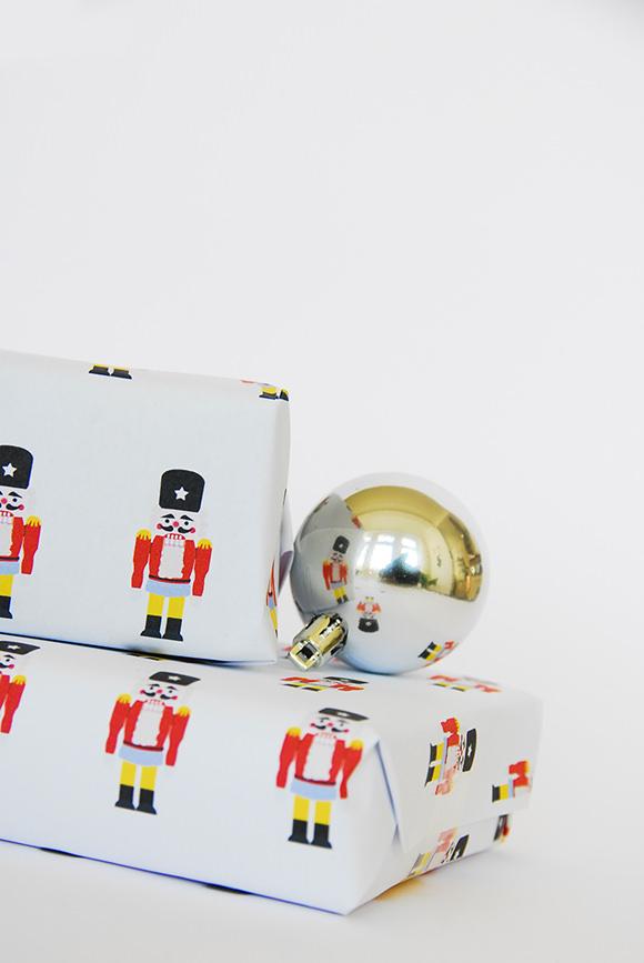 Nutcracker-gift-wrap-3